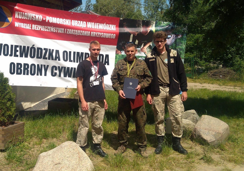 Mundurowcy z ZS w Jabłonowie na VI Wojewódzkiej Olimpiadzie Obrony Cywilnej.