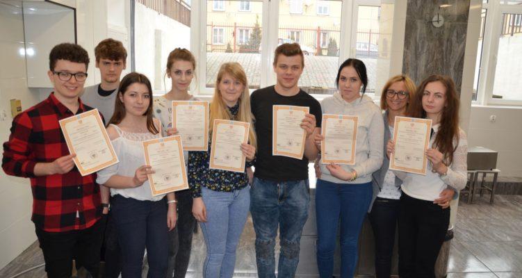 Radosny dzień dla uczniów Technikum Żywienia i Technikum Ekonomicznego w Jabłonowie Pomorskim