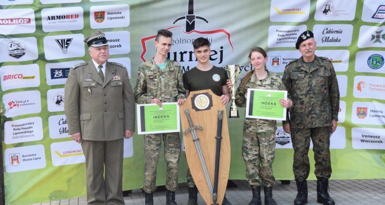 Wrócili z mieczem … Mundurowcy z Jabłonowa NAJLEPSI w Ogólnopolskim Turnieju Klas Mundurowych.