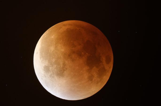 Zaproszenie na całkowite zaćmienie Księżyca
