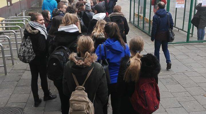 Uczniowie klas pierwszych na wycieczce w Grudziądzu